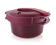 Tupperware Microwave Pressure Cooker makes cooking on a busy school night so easy! Tupperware Pressure Cooker Recipes, Microwave Pressure Cooker, Tupperware Recipes, Microwave Recipes, Pressure Cooking, Slow Cooker, Cocotte Minute Tupperware, Cheeseburger Pasta, Pork Sandwich