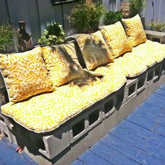 Took this photo at House of Imago in San Diego. I love this DIY patio furniture made of cinderblocks! How easy!