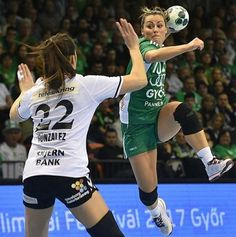Nora Mørk - Instagram @noramork9 Women's Handball, Handball Players, Action Poses, Kate Beckinsale, Pose Reference, Female Athletes, Cool Style, Running, Lifestyle