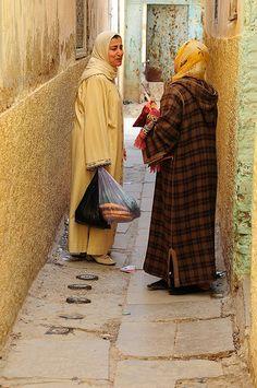 chatting in Taza | luca gargano | Flickr