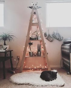 These DIY Christmas tree shelf can be the best choices for your home decor. Whether you want to install them only in this Christmas or even after the holiday is over Christmas 2018 Ideas, Christmas Is Over, Real Christmas Tree, Alternative Christmas Tree, Cozy Christmas, Holiday Tree, Retro Christmas, Homemade Christmas, Holiday Fun