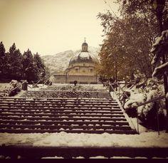 28 Ottobre 2012   SANTUARIO D'OROPA - BIELLA - PIEMONTE - ITALIA-  Scatto nevoso da Oropa. Al suolo 5/7 cm. A Bielmonte si segnalano oltre 20 cm!