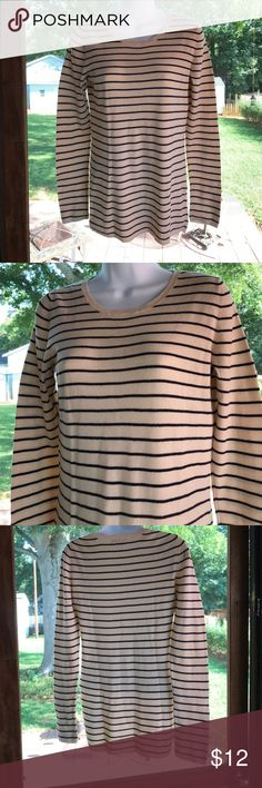 """Gap Sweater Lovely Crew Neck  Pullover. It has the Gap Stripes color is Cream & White.  S/L 25 1/4""""- Length 26 1/4"""". Lightweight !! Used no flaws Sweaters"""