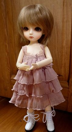 A cute BJD, yumi  She looks like Avi.