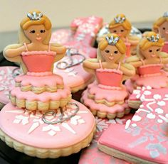 Sugarbelle does it again!  These ballerina/princess 3D cookies are adorable!