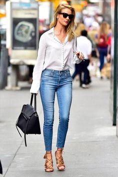 Best Jeans for Women - Celebrity Jeans We Love Women Jeans Celebrity Jeans, Celebrity Style, Jean Moda, Beste Jeans, Best Jeans For Women, Classy Outfits For Women, Latest Fashion For Women, Womens Fashion, Cheap Fashion