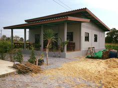 50 Ideas Home Country Exterior Design For 2019 Modern Small House Design, Small House Exteriors, Simple House Design, Bungalow House Plans, Bungalow House Design, Small House Plans, Village House Design, Village Houses, Small House Renovation
