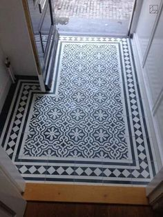 four victorian small hallway flooring concepts Entryway Flooring, Hall Flooring, Porch Flooring, Flooring Ideas, Entryway Decor, Tile Entryway, Victorian Hallway Tiles, Tiled Hallway, Modern Hallway