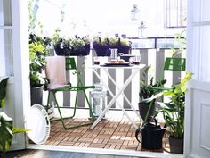 A cute space to eat outdoors...