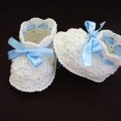 Shell Baby Booties Crochet Pattern - via @Craftsy