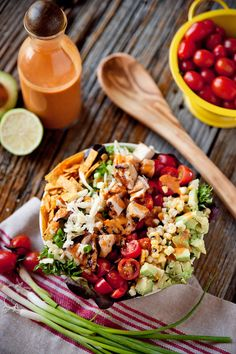 Southwest Chicken Cobb Salad with Chipotle Lime Dressing combines grilled chicken breasts, fresh vegetables, cheese and crunchy tortilla strips into a hearty and healthy dinner salad with bold flavors! Southwest Salad, Southwest Chicken, Southwest Dressing, Summer Salad Recipes, Healthy Salad Recipes, Summer Salads, Healthy Foods, Healthy Eating, Healthy Life