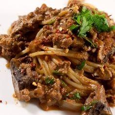 Spaghetti with Mushroom & Meat Sauce