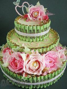 Увеличить фото: Букет из конфет, торт на свадьбу Торжество любви