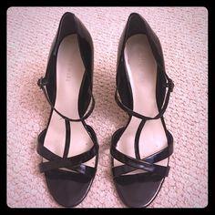 Women's Nine West heels . Size 7 1/2. EUC Women's Nine West  size7 1/2 , Black heels, open front. EUC Nine West Shoes Heels