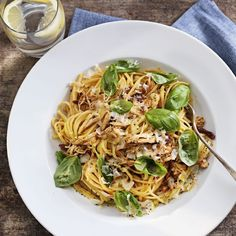 Pulled chicken pasta med tomat