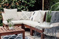 garden sofa Geometric cushions on Ikea Applaro outdoor sofa Patio Ikea, Garden Furniture Design, Balcony Furniture, Furniture Ideas, Furniture Layout, Patio Lounge Furniture, Furniture Makeover, Modern Garden Furniture, Rattan Outdoor Furniture