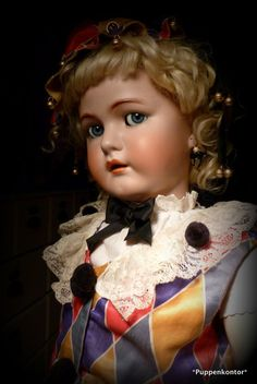 Guys And Dolls, China Dolls, Old Dolls, Antique Toys, Cute Dolls, Vintage Dolls, Beautiful Dolls, French Antiques, Embroidery Patterns