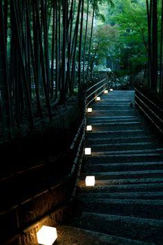 Nenbutsu-dera Temple in Kyoto,Japan 京都 化野念仏寺 Japanese Landscape, Japanese Architecture, Beautiful World, Beautiful Places, Beautiful Pictures, Art Asiatique, Kyoto Japan, Japan Sakura, Okinawa Japan