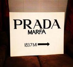 Replica of the Prada Marfa painting from the Van der Woodsen home #GossipGirl #PradaMarfa
