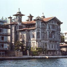Yalı of Ahmet Afif Pasha, designed by Alexander Vallaury. Turkish Architecture, Vernacular Architecture, Urban Architecture, Istanbul City, Istanbul Turkey, Villas, Turkey Travel, Waterfront Homes, Beautiful Places To Travel