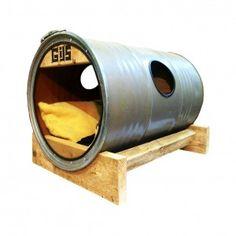 Upcycled Hondenhuis gemaakt van een 200 liter olievat.