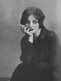 """tallulah bankhead was an american actress who often introduced herself at parties by saying """"hello, i'm a lesbian. Arte Punch, Old Photos, Vintage Photos, Tallulah Bankhead, Photographie Portrait Inspiration, Old Portraits, Photo Portrait, Art Et Illustration, The Villain"""