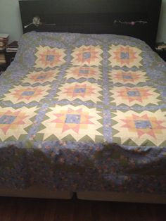 Huge bedspread, Thimbleberries design and fabrics.