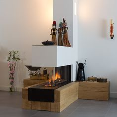 30 living room layouts with fireplaces 30 layouts de sala de estar com lareiras Wooden Fireplace, Freestanding Fireplace, Home Fireplace, Fireplace Design, Fireplace Modern, Fireplace Garden, Living Room Designs, Living Room Decor, Casa Loft