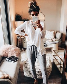 Lounge Wear - comfortable lounge don – hot lounge outfit , clothes outfits , outfit lazy days , lounge pants Lazy Day Outfits, Winter Outfits For Work, Winter Outfits Women, Winter Fashion Outfits, Mode Outfits, Look Fashion, Casual Outfits, Autumn Fashion, School Outfits
