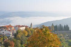 On l'appelle la Toscane de la Croatie... Suivez-moi dans mon voyage en Istrie, découvrir ses villages médiévaux, ses bords de mer et sa gastronomie. Une destination très romantique et un paradis pour les amateurs de truffe!