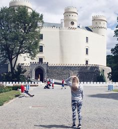 Orlik  #orlik #castle #czech #czechrepublic #czechia #girl #czechgirl #blondie #walk #trip #beautiful #love #history #historicalplace #l4l #likeforlike #like4like #pictureoftheday