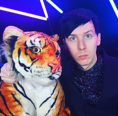BRITs Award - AmazingPhil with Winston - not gonna lie, they are awesome Dan Howell, Daniel James Howell, Phil Lester, Dodie Clark, Dan And Phill, Phil 3, Danisnotonfire And Amazingphil, Joey Graceffa, Sam And Colby