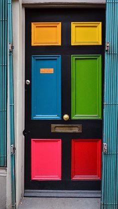 Unique Front Doors, Front Door Colors, Front Entry, Door Entryway, Entrance Doors, Doorway, House Entrance, Knobs And Knockers, Cool Doors