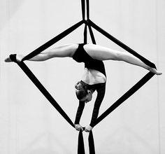 charlotte.ticha #aerial silks splits
