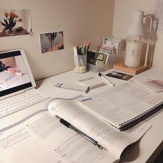 ♡ – Office organization at work Study Areas, Study Space, Study Desk, Study Corner, Desk Inspiration, Desk Inspo, Study Room Decor, Study Pictures, Study Organization