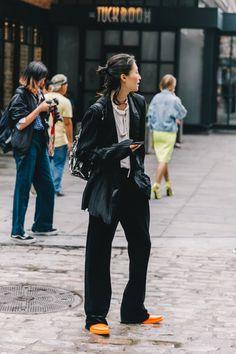 New York Fashion Week Street Style (Collage Vintage) Asian Street Style, New York Fashion Week Street Style, New Yorker Mode, Emmanuelle Alt, Models, Mode Inspiration, Fashion Outfits, Womens Fashion, Asian Fashion