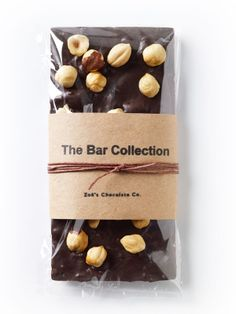 Zoe's Chocolate - The Hazelnut Bar Homemade Chocolate Bars, Chocolate Peanut Butter Brownies, Chocolate Candy Recipes, Chocolate Diy, Chocolate Snacks, Artisan Chocolate, Chocolate Truffles, How To Roast Hazelnuts, Gastronomia