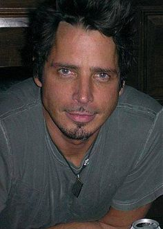 Chris Cornell is hot hot hot!!!