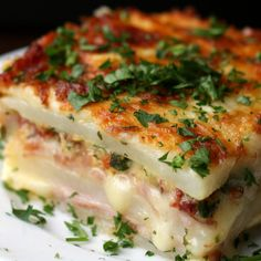 Potato Lasagna Recipe by Tasty yummy layers of potato, ham and cheese Potato Dishes, Food Dishes, Dishes Recipes, Low Carb Vegetarian Recipes, Healthy Recipes, Healthy Homemade Snacks, Pork Recipes, Cooking Recipes, Ham And Potato Recipes