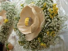 Matrimonio Ecologico, Roma  Centerpiece   with Paper flower , fresh flowers  by Alessandra Fabre Repetto  www.alessandrafabre.com
