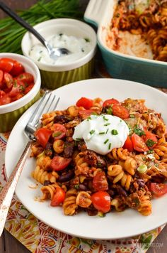 Slimming Slimming Eats Syn Free Mexican Pasta Bake - gluten free, vegetarian, Slimming World and Weight Watcher friendly Slimming World Pasta, Slimming Eats, Slimming World Recipes, Healthy Eating Recipes, Diet Recipes, Cooking Recipes, Healthy Food, Healthy Weight, Healthy Meals