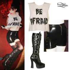 Ash Costello: Faux Leather Shorts Outfit (I don't like the shorts that much..)