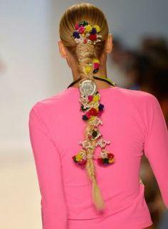 Harajuku decora girls: youth hair & accessories trend