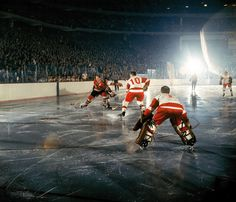 Chicago Blackhawks Bobby Hull in action vs Detroit Red Wings Alex Delvecchio . Chicago, IL Get premium, high resolution news photos at Getty Images Hockey Games, Hockey Players, Ice Hockey, Detroit Game, Detroit Sports, Blackhawks Hockey, Chicago Blackhawks, Chicago Hockey, Detroit Red Wings