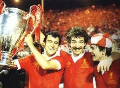 Ray Kennedy, Graeme Souness and Kenny Dalglish celebrate a European Cup win Liverpool Team, Liverpool Fc Managers, Liverpool Champions League, Liverpool Legends, Kenny Dalglish, Retro Football, World Football, Football Players, Beatles