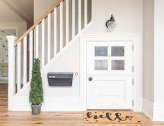 Maximiser l'espace sous vos escaliers : 8 astuces qui changeront votre quotidien! #escaliers #escaliersinterieur #rangement #décomaison #maisondecor