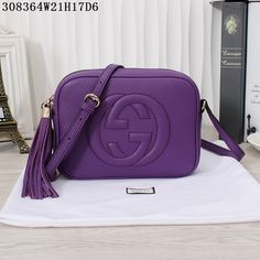 d70171a13102 37 Best gucci 308364 Soho leather disco bag images