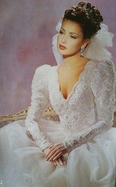 Sexy Wedding Dresses, Gorgeous Wedding Dress, Wedding Attire, Beautiful Bride, Wedding Gowns, Vintage Gowns, Vintage Bridal, Style Année 80, 1980s Wedding