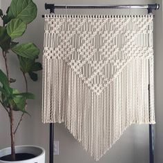 """New """"Large"""" Macrame Wall Hanging, plus its pattern available now. ✨"""