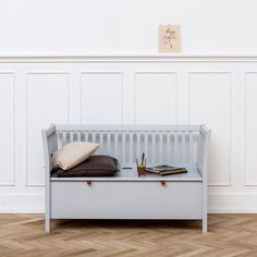Small entryway storage bench – Why waste time in search of keys? With the precise furnishings within the hallway can … Small Entryway Storage Bench, White Storage Bench, Tufted Storage Bench, Small Bench, Hallway Storage, Childrens Bedroom Furniture, Hallway Furniture, Bench Furniture, Unique Furniture